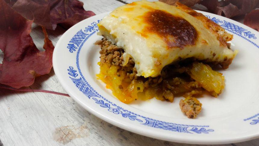 Zapiekanka z ziemniaków z mięsem mielonym